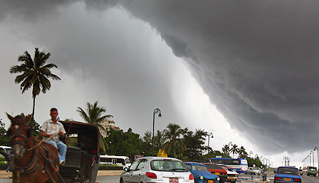 Storm approaches in Havana