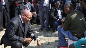 South Africa's President Jacob Zuma with miners at Marikana (22 August 2012)