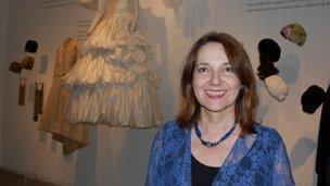Ester Muchawsky-Schnapper, curator
