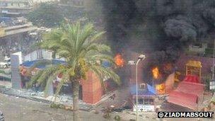 Purports to show KFC in Tripoli, Lebanon on fire