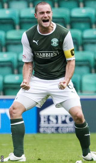 McPake shows his delight as Hibs defeat Kilmarnock 2-1