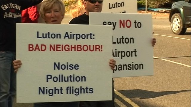 Luton Airport expansion protest