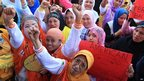 Philippine Muslims raise clenched fists in Marawi City, Lanao del sur province, Mindanao (17 Sept 2012)