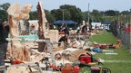 Chainsaw carving competitors