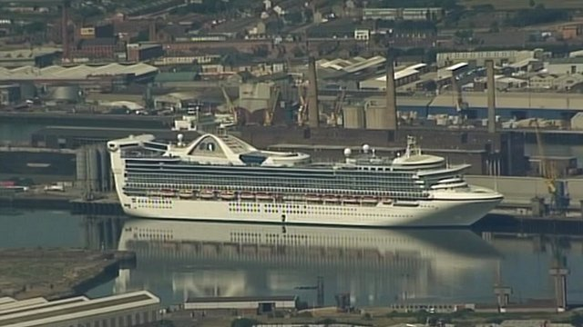Cruise liner in Belfast