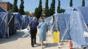 Camp for quake evacuees in Mirandola, 29 May 12