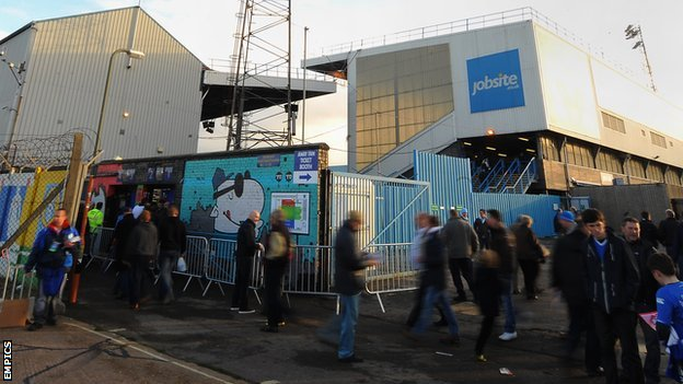 http://news.bbcimg.co.uk/media/images/62998000/jpg/_62998533_fratton_park.jpg