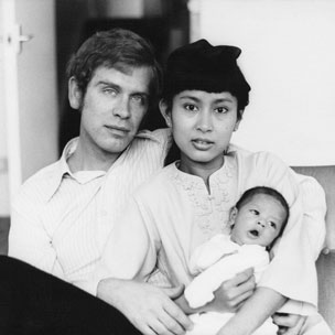 Michael Aris, Aung San Suu Kyi and son Alexander