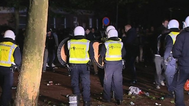 Dutch riot police 