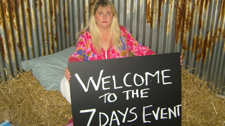 Linda Goodman is sleeping in a kennel for seven days