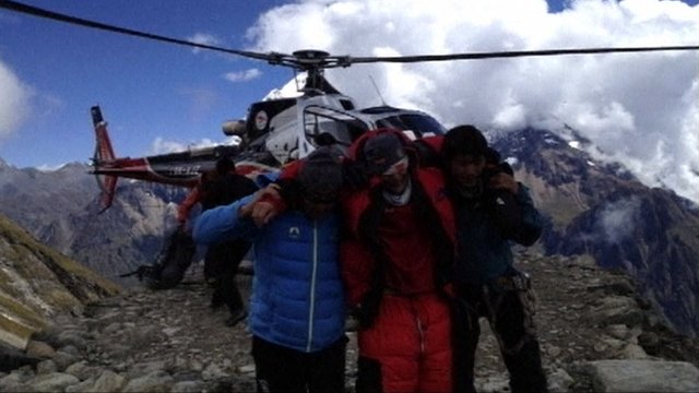 Survivors of Nepal&#039;s avalanche