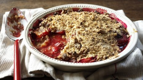 Nigella Lawson's plum and Amaretti crumble