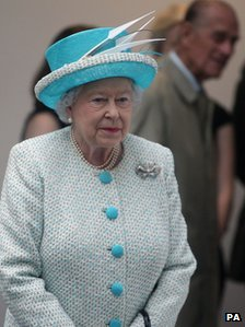 Queen in Aberdeen to open university library