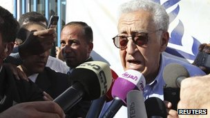 UN envoy Lakhdar Brahimi at Al Zaatri refugee camp in Jordan (18 Sept 2012)