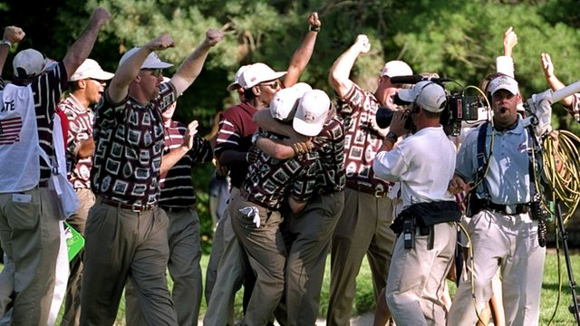 USA team celebrate Ryder Cup win in 1999
