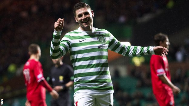Gary Hooper celebrates against Raith Rovers