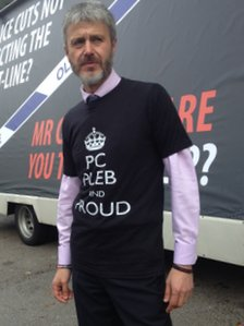 Police Federation member wearing a protest T-shirt