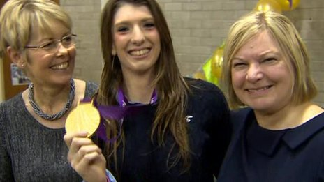 Bethany showed off her Olympic gold during her visit to her old school