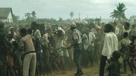 Biafran army soldiers and captives - May 1967