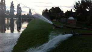 Pumping water into the River Ouse
