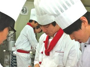 Chef class at Song-ji High School