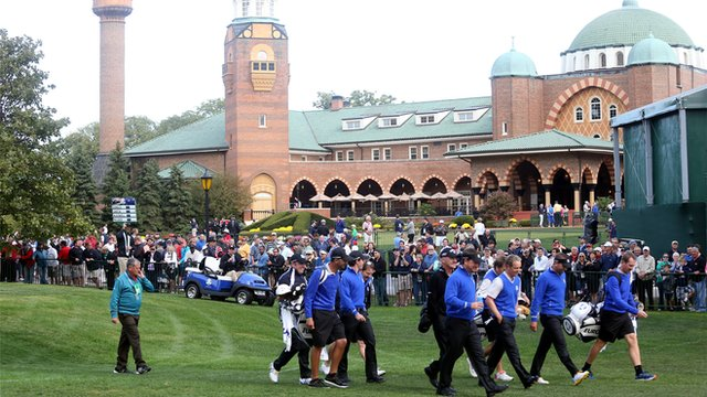 Behind the scenes at Medinah
