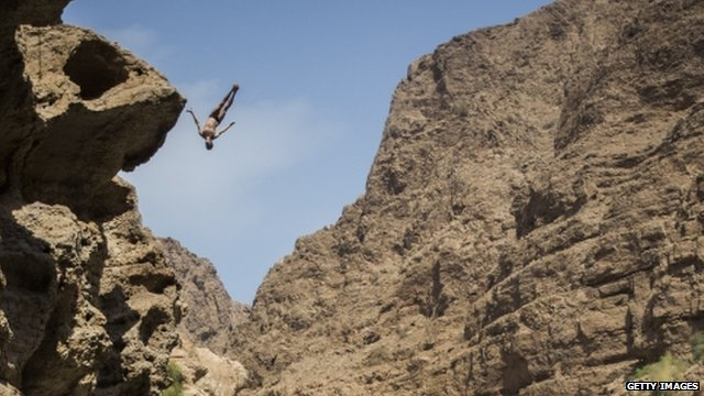 Gary Hunt diving at Wadi Shab, Oman
