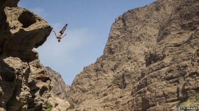 Gary Hunt diving at Wadi Shab, Oman