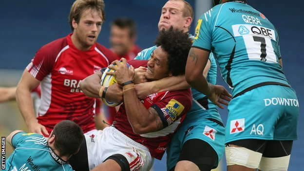London Welsh and Gloucester compete