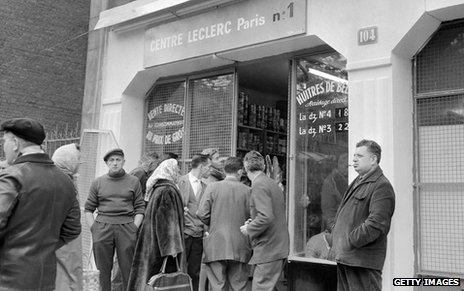 Edouard Leclerc's first discount food shop in Paris, which opened in 1959