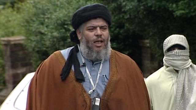 The Muslim cleric Abu Hamza al-Masri can be extradited to the US to face terrorism charges, a court has ruled.
