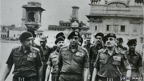 File photo Lt-Gen Kuldeep Singh Brar (left)  and  senior army officers at the site of the  Operation Blue Star in 1984
