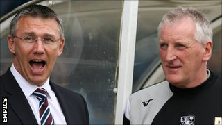 Nigel Adkins and Ronnie Moore in May 2009
