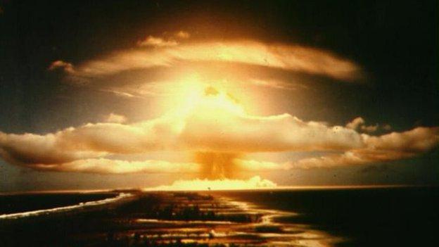 http://news.bbcimg.co.uk/media/images/63271000/jpg/_63271020_nuclearexplosion_ap.jpg