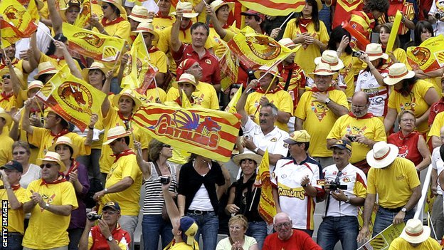 Catalan Dragons supporters
