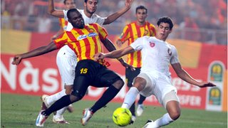 Esperance striker Yannick Ndjeng (left)