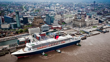 Cunard vessel Queen Mary 2 at the Cruise Liner Terminal