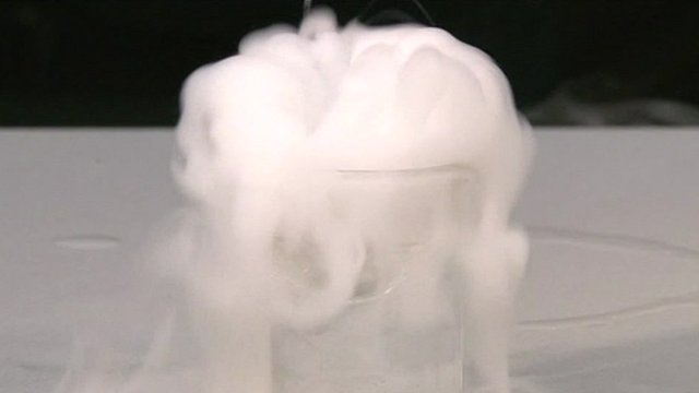 Liquid nitrogen in alcohol