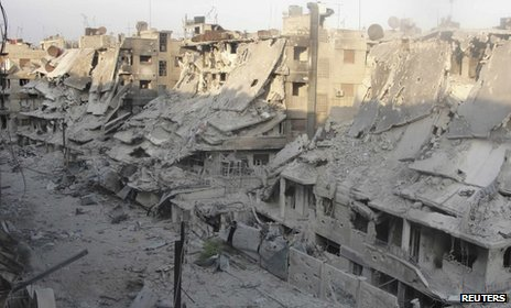 Picture published by opposition activists purportedly showing destroyed buildings in the Khalidiya district of Homs (8 October 2012)