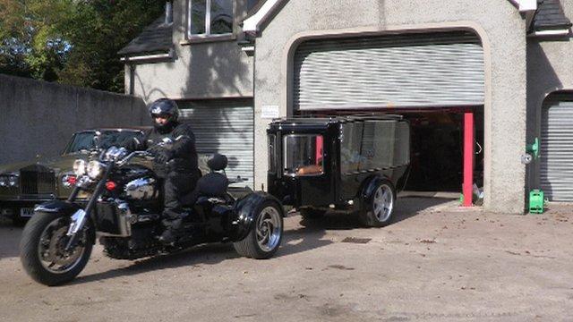 Moto-hearse