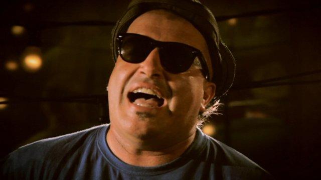 Chico Trujillo's lead singer, Macha