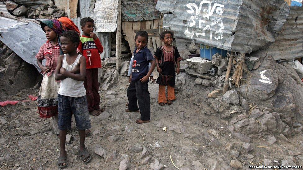 [Image: _63412931_nelson_yemen_impoverished_marg...2.0025.jpg]