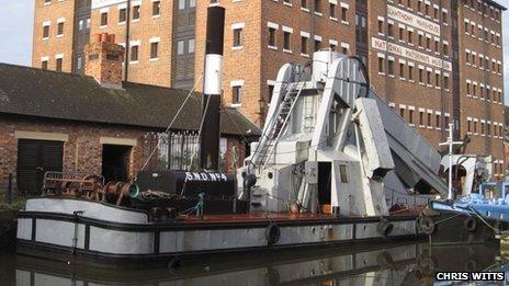 Dredger SND number 4, at Gloucester Docks