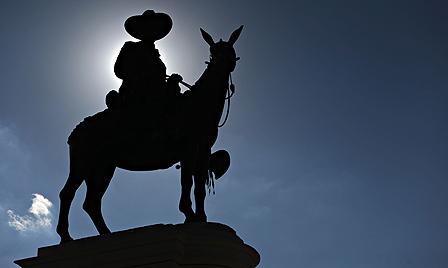 Statue of Augusto Cesar Sandino
