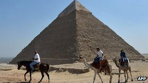 Pyramid of Chefren (Khafre) - file image