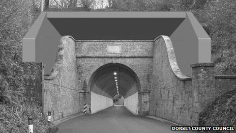Mock-up of extended hood at Beaminster Tunnel