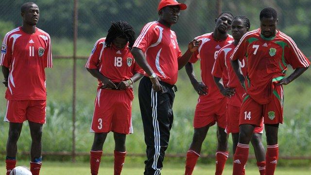 Kinnah Phiri with the Malawi players