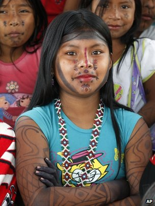 Girls of the Embera-Katio tribe