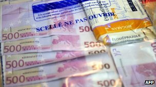  Sealed euro notes found by French police on September 29, 2012 in an operation against Serbian people smugglers.
