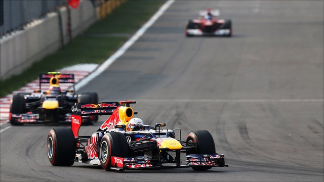 Vettel's Third Straight Takes Championship Lead